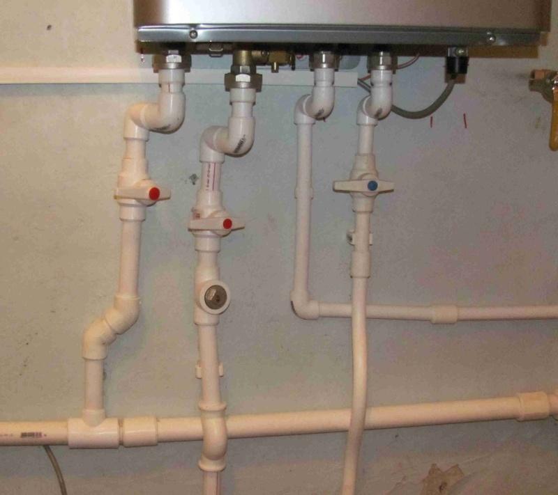 Монтаж водоснабжения в доме.