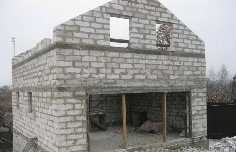 Пеноблоками называют блоки из пенистого бетона